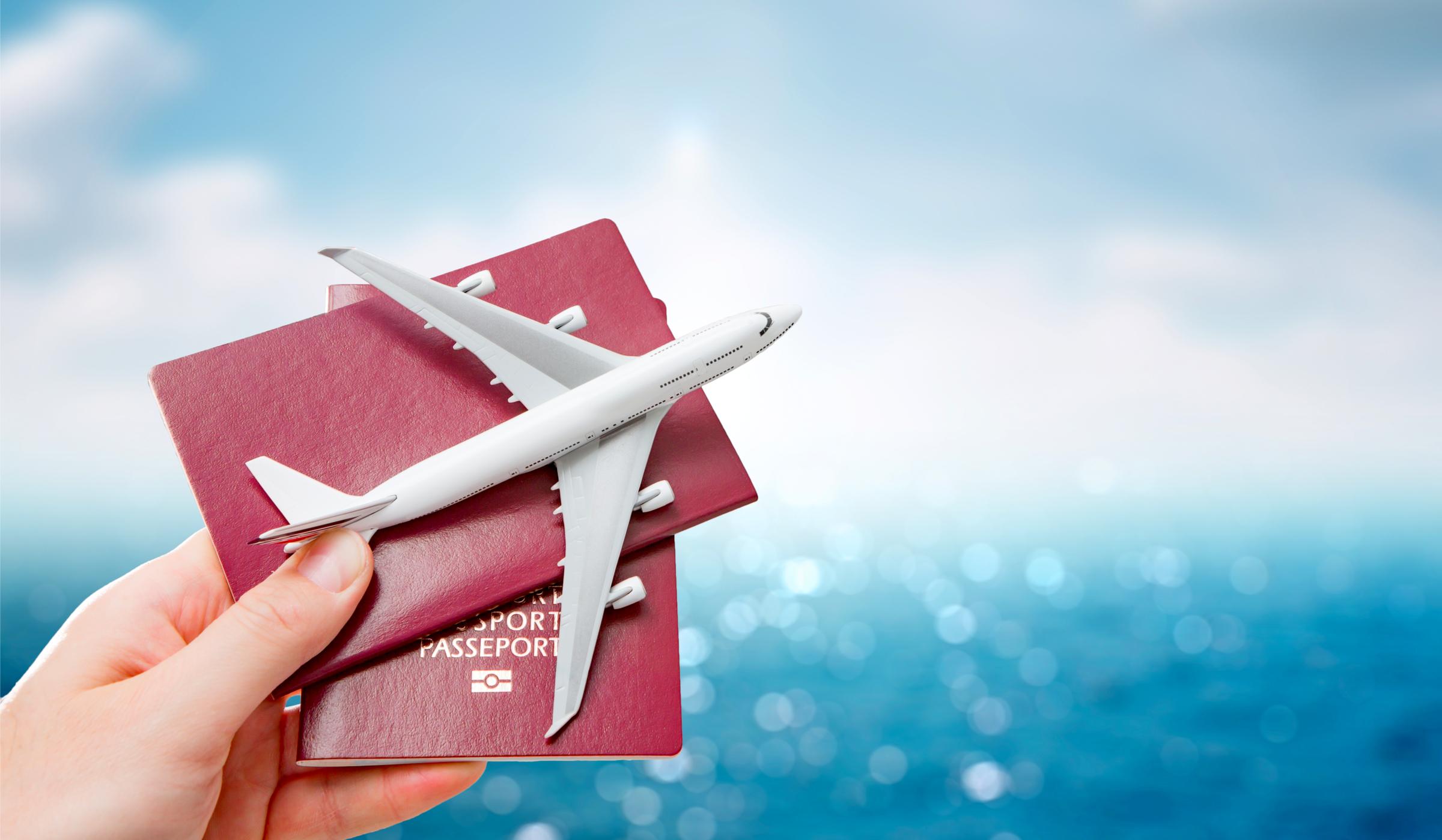 Кои авиокомпании възобновяват полетите си?